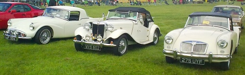 Daimler Dart, Steve Ellams' MG TD and an MG A at the Yorkshire Post Classic Car & Vehicle Rally.